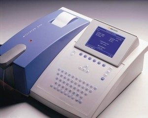 Chemistry Analyzer Semi-automated microlab 300 made in Holand